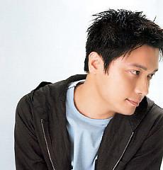 Lời bài hát được thể hiện bởi ca sĩ La Gia Lương