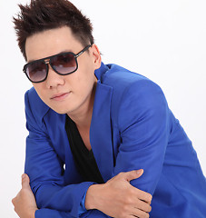 Lời bài hát được thể hiện bởi ca sĩ Vịnh Cường