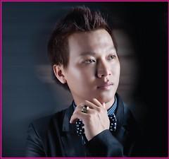 Lời bài hát được thể hiện bởi ca sĩ Khắc Quang