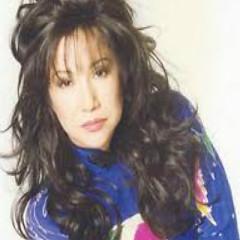 Lời bài hát được thể hiện bởi ca sĩ Ngọc Bích