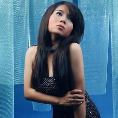 Lời bài hát được thể hiện bởi ca sĩ Dạ thảo