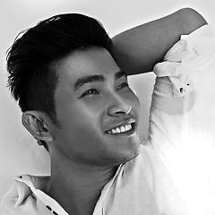 Lời bài hát được thể hiện bởi ca sĩ Nguyễn Hồng Ân