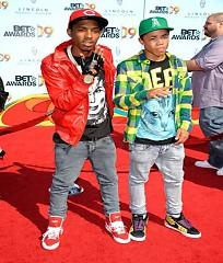 Lời bài hát được thể hiện bởi ca sĩ New Boyz