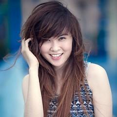 Lời bài hát được thể hiện bởi ca sĩ Nữ Kim