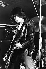 Lời bài hát được thể hiện bởi ca sĩ Dee Dee Ramone