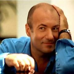 Lời bài hát được thể hiện bởi ca sĩ Igor Krutoy