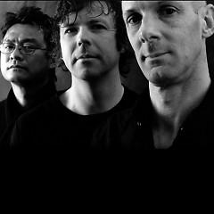 Lời bài hát được thể hiện bởi ca sĩ California Guitar Trio