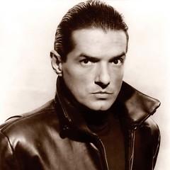 Lời bài hát được thể hiện bởi ca sĩ Falco