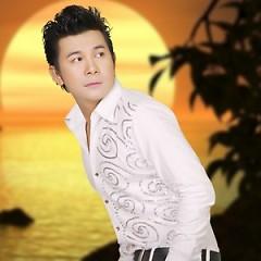 Nghệ sĩ Khang Lê