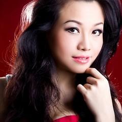 Album Yêu Ngu Ngơ - Hoàng Châu