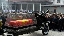 Các Lãnh Đạo Cấp Cao Nhất Của Việt Nam, Quốc Tế Cùng Tang Quyến Theo Sau Xe Linh Cữu -