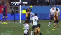 Tình huống dứt điểm khá nguy hiểm của cầu thủ Hull City -