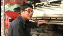 NhacVN.Xe360 - Nghệ nhân phục chế xe cũ ở Hà Nội -
