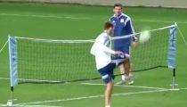 Aguero và Messi đọ tài trên sân tập -