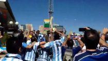 CĐV Argentina chế giễu chấn thương của Neymar -