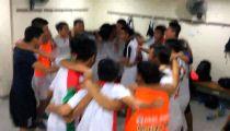 U19 Việt Nam hát mừng chiến thắng trong phòng thay đồ -