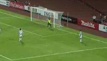 Việt Nam đánh bại UAE 2-0 tại vòng bảng Asian Cup 2007. -