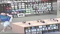 Raw video: Rex Chapman Apple store surveillance video -